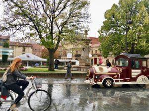 The historic district of León features quaint parks.