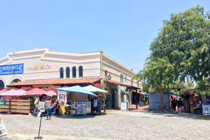 Here's one entrance to the Olvera Street outdoor mall. Photo by da-AL.