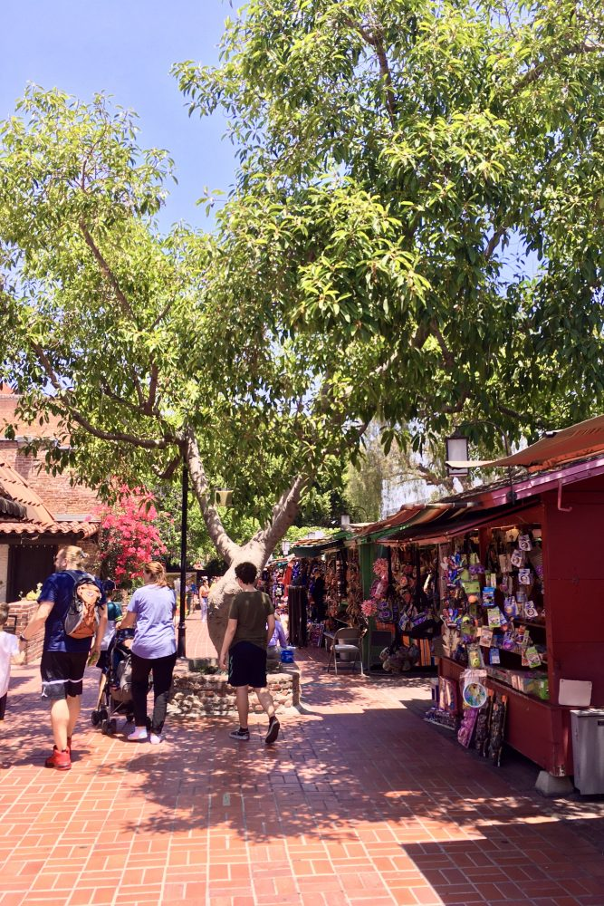 Part of the fun of jury duty was walking the local sights, like these stalls of Olvera Street. Photo by da-AL.